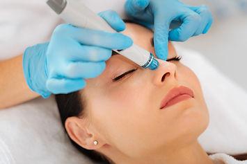 Hautreinigung im Kosmetikstudio
