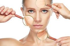 Beratung zur Hautpflege im Kosmetikstudio