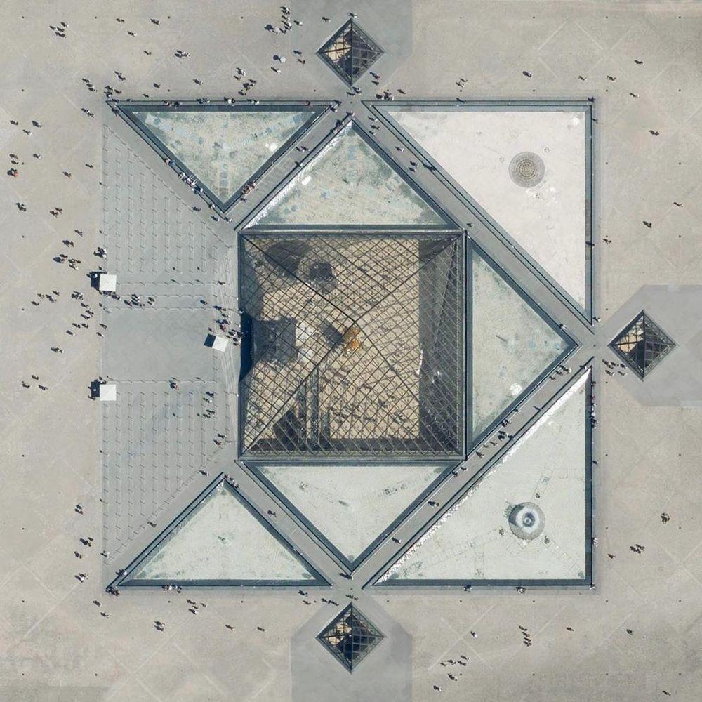 Piramide de Louvre