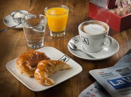 desayuno copia.jpg