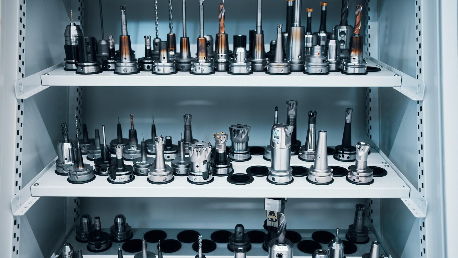 Eroform_Werkzeugbau_Werkzeugregal