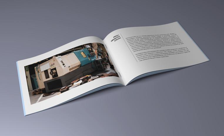 Mock-up_Brochure_A5_3.jpg