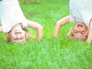 Brincar faz com que o cérebro libere hormônios que facilitam o aprendizado