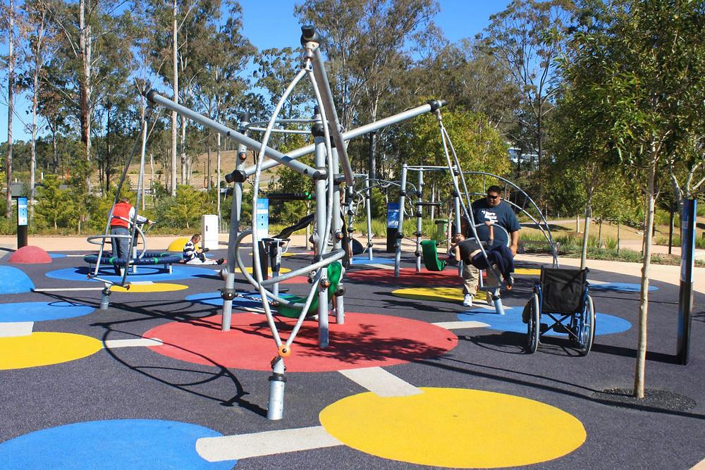 Playground acessível e inclusivo