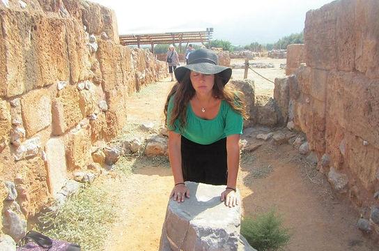 Sacred Sites Tour-Altar in Crete