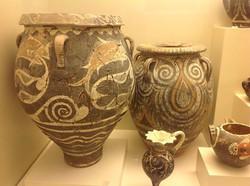 Kamares ware jars.jpg