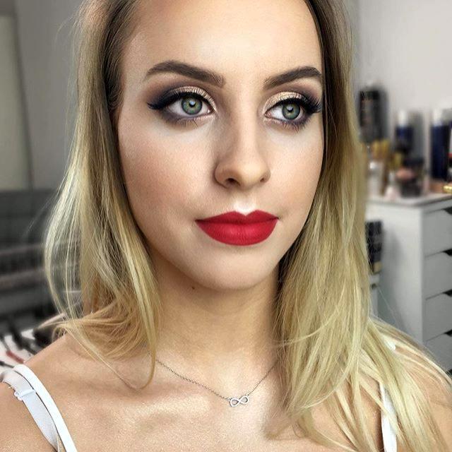 Makijaż na dwa pędzle z moją kursantka P