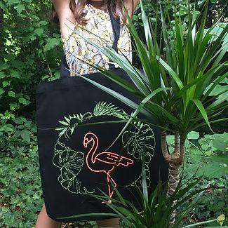 sac_totebag_bio_coton_noir_tropical_flam