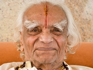 Light On Iyengar Yoga