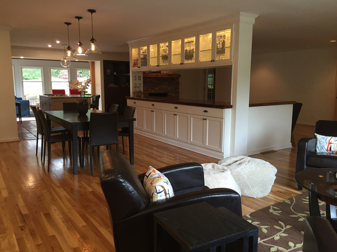 main living space - great for entertaining
