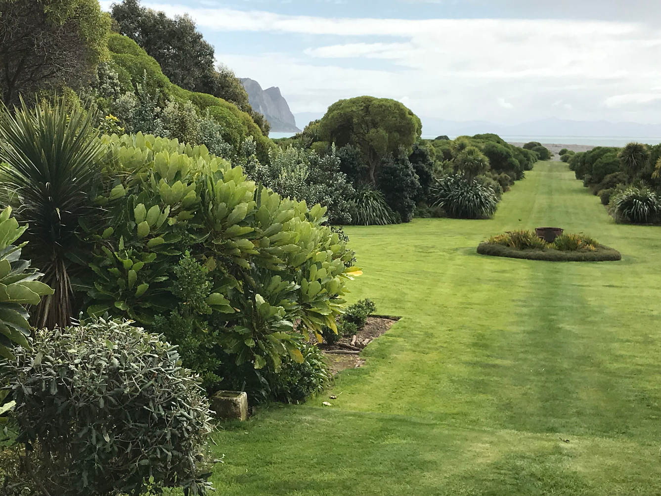 Visit privately owned, NZ trust registered gardens