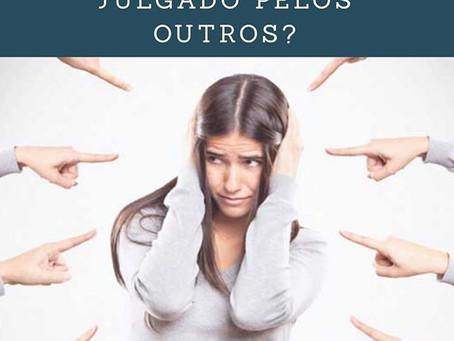 Você tem medo de ser julgado pelos outros?