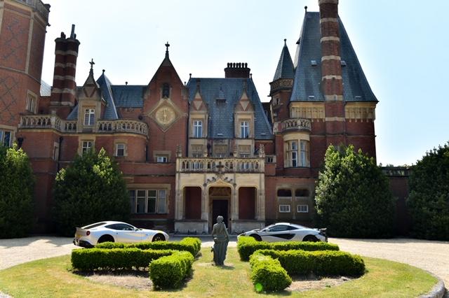 Supercars_at_Minley_Manor