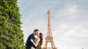 Séance engagement glamour et romantique à Paris