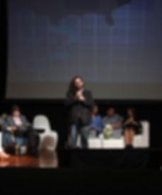 Exposicion durante un panel de Iberoamérica Digital