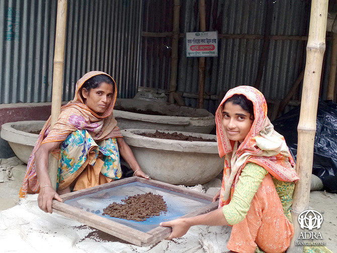 Triumph Against Poverty: A Story of a Poor Housewife