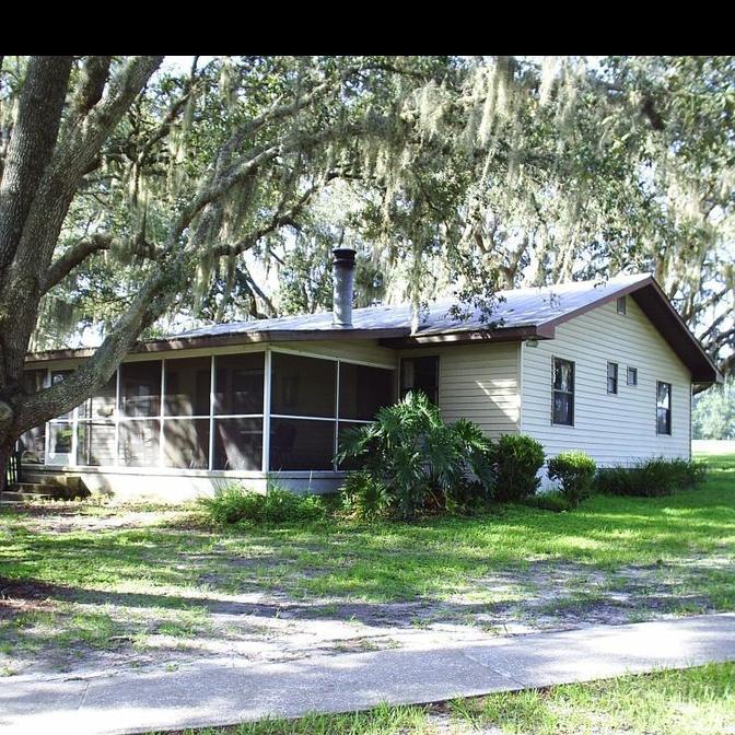oaks lodge.png