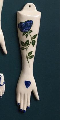 Bras fleurs bleues