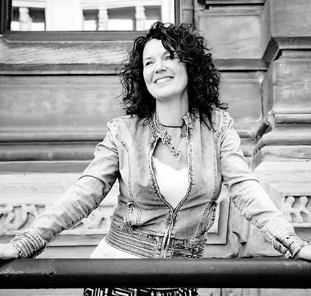 Majoly Dion réalisatrice-conférencière-f
