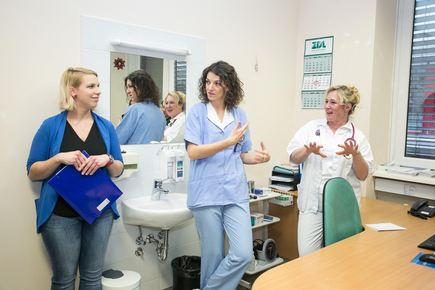 Nana Ambrož, Nataša Kunstič, Simona Repar Bornšek: nurse, registered nurse and family phisician  in a model practice