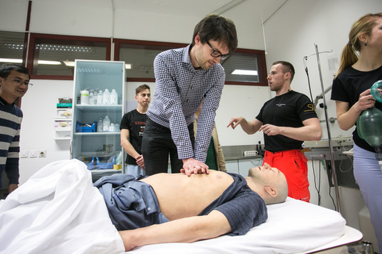 Črt saving model patient's life