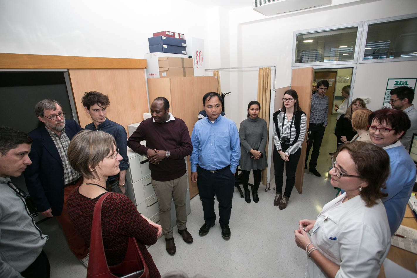SCUBY team visiting the rengen lab