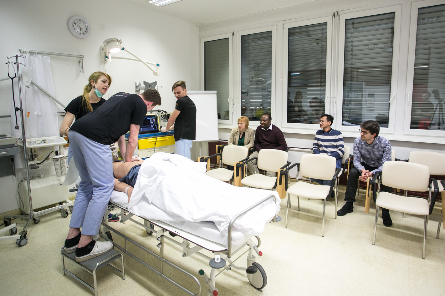 Visit of the SIM (simulation) Center: Implementing advanced simulations in healthcare with modern equipment