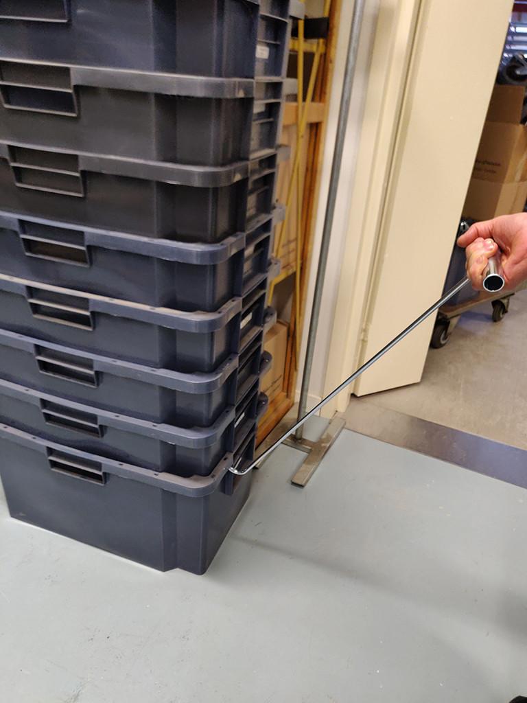 Laatikkokasa liikkuu helposti vetokoukulla