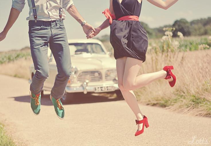 couple jumping.jpg
