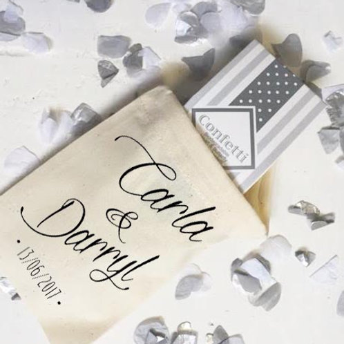 Personalised confetti bag with bride and groom