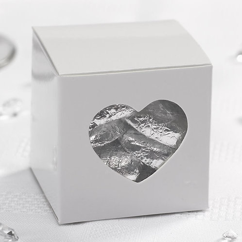 Small white heart wedding favour box
