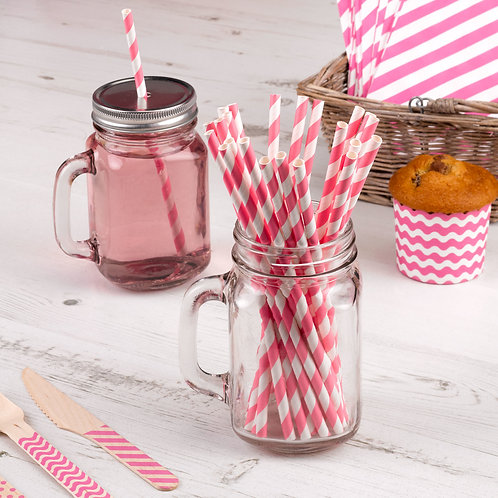 Hen party pink paper straws.