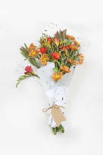 Ramo de flores de naranja