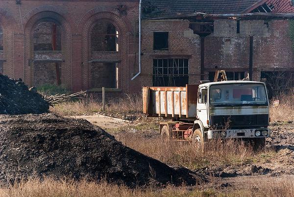 abandoned-3191463_1920.jpg