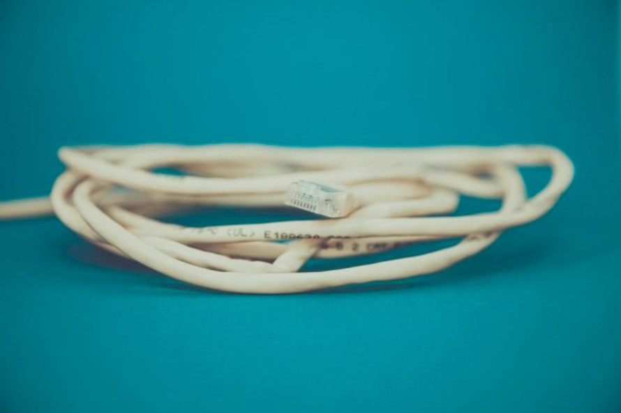 Shirley Jackson, Cable - Pexels.com, Markus Spiske Raumrot.com