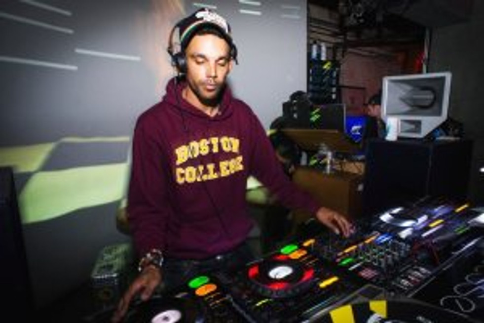 Miguel Campbell | Resident Advisor