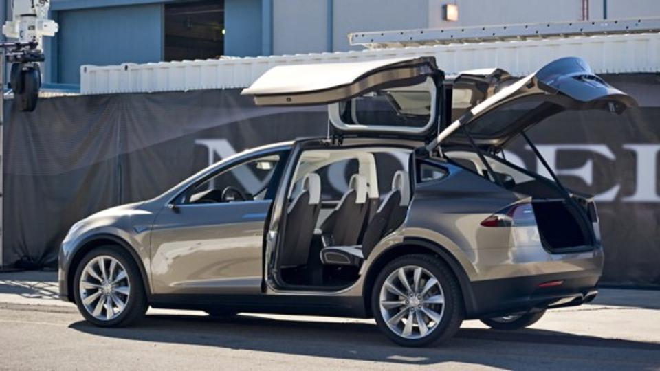 Tesla Model X, Joe Wolf, Flickr, CC BY 4.0