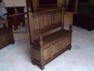 Banc en bois sculpté