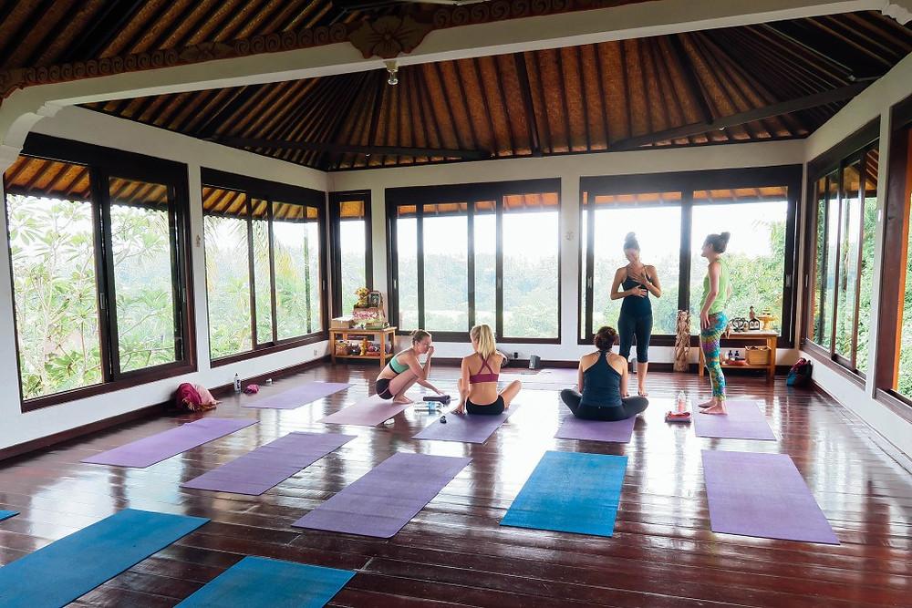 Danh sách các trung tâm Yoga dạy bằng tiếng Anh ở Sài Gòn (HCM City)