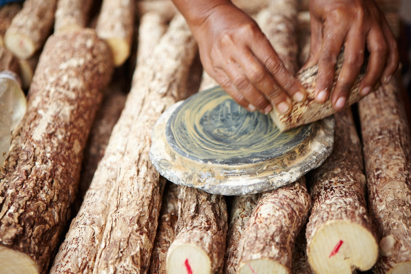 Cách tạo ra bột Thanaka