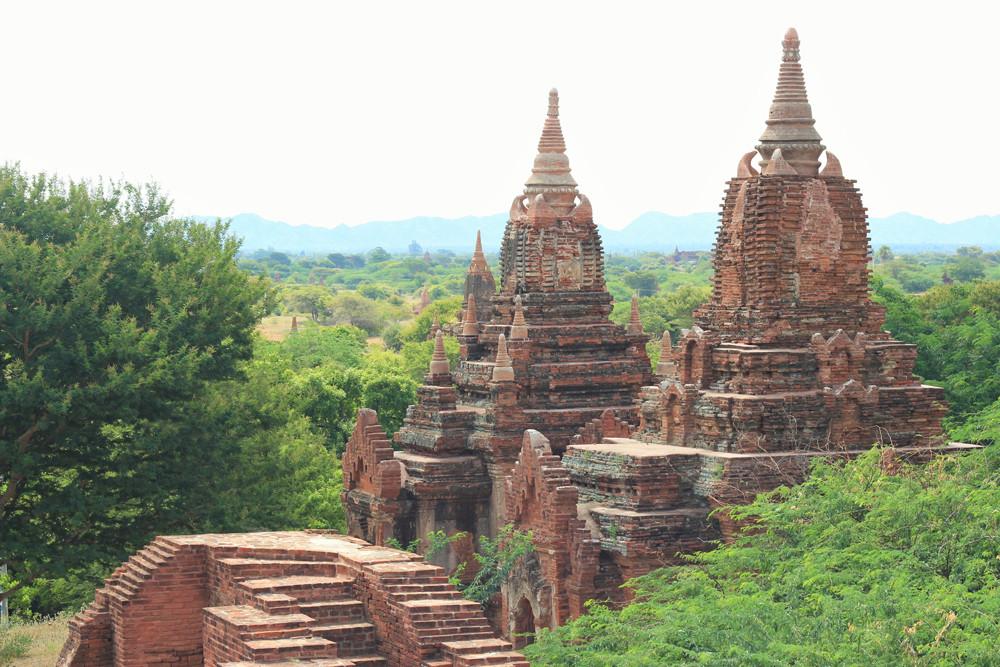 Dấu vết thời gian trên những ngôi đền gạch đỏ ở Bagan Myanmar