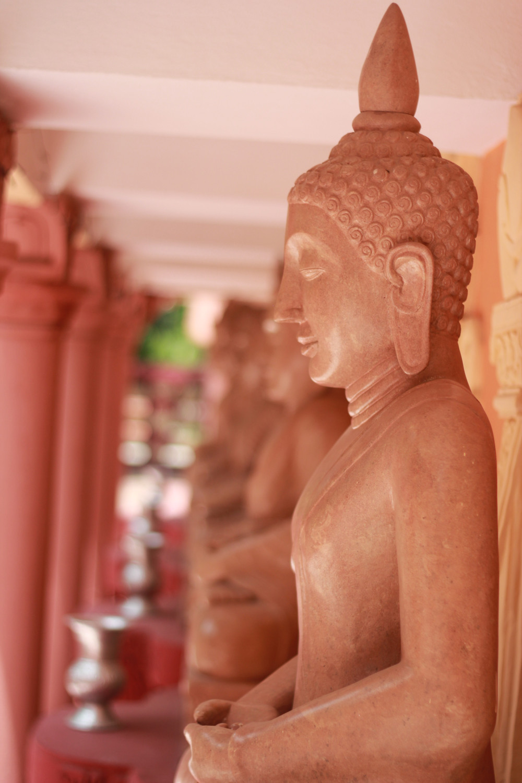Tượng phật trên đồi Sagaing Mandalay Myanmar