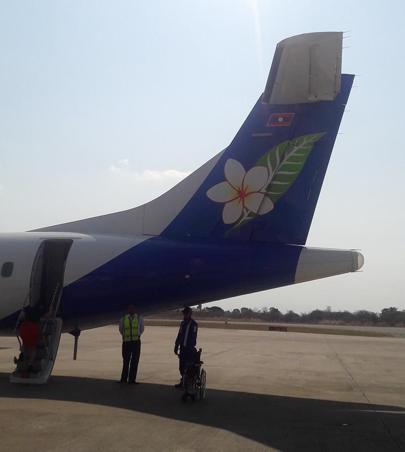 Bay từ HCMC đi Lào bằng Laoairline