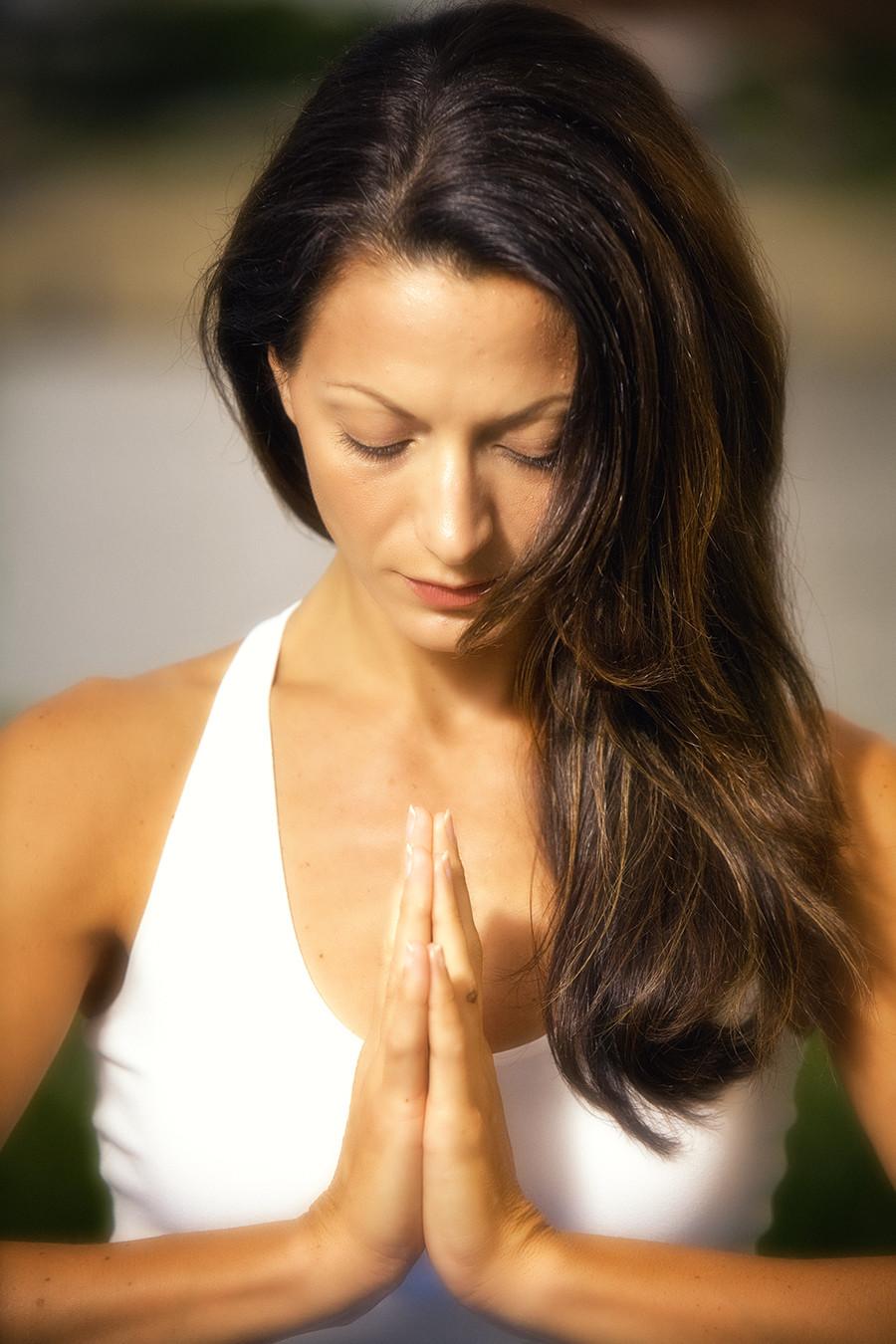 Ý nghĩa lời chào Namaste trong Yoga | Kiến thức Yoga