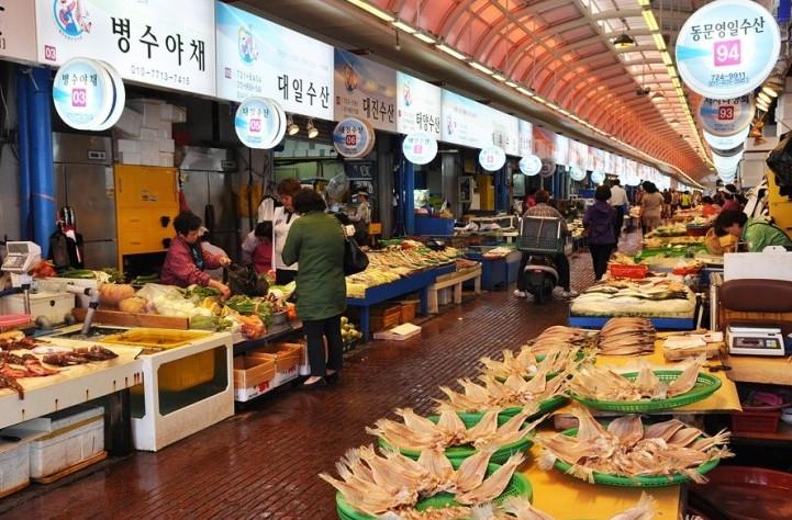 Du lịch đảo Jeju - chợ hải sản Dongmoon