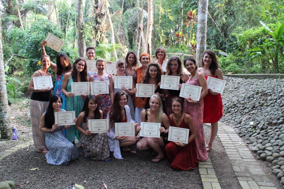 Đây là hình ảnh lúc tốt nghiệp khóa học 200h HLV Yoga của mình ở Bali
