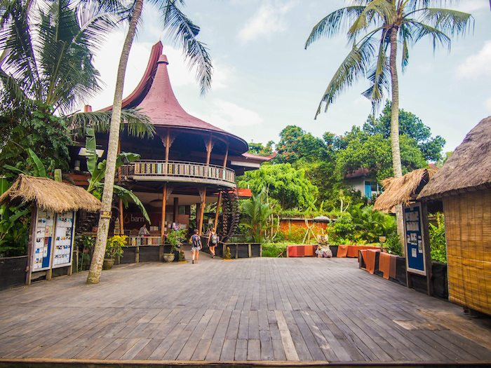 Không gian tập yoga ngoài trời Yoga Barn - Bali