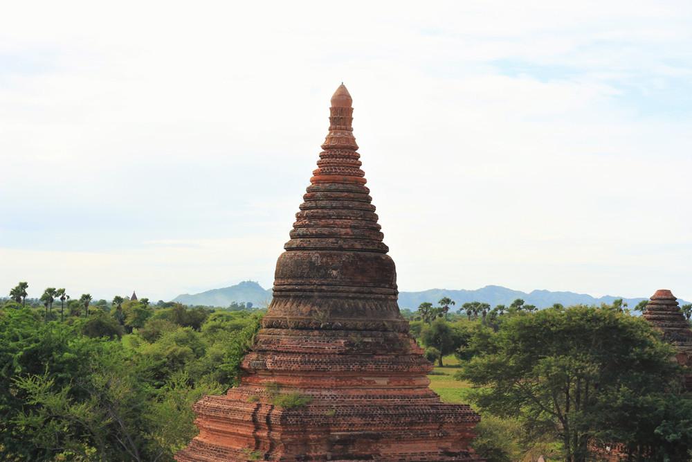 Chóp của một ngôi đền cũ ở Bagan Myanmar