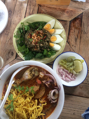 """Review các món ăn và các quán cà phê """"must try"""" ở Chiangmai - Thái Lan"""
