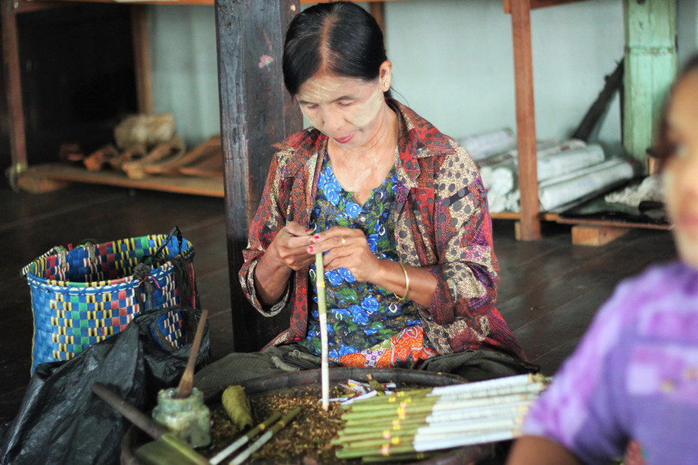 Khu làng làm thuốc lá handmade trên hồ Inle Myanmar